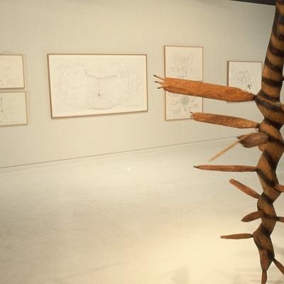 https://pazdabutler.com/upload/exhibitions/_-title/1986_Surls_3s.jpg