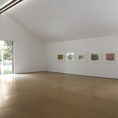 https://hirambutler.com/upload/exhibitions/_-title/Cy_Twombly_04.jpg