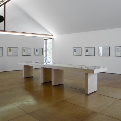 https://pazdabutler.com/upload/exhibitions/_-title/ESInstallation1.jpg