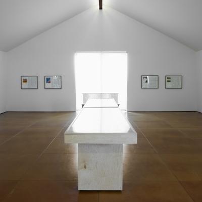https://pazdabutler.com/upload/exhibitions/_-title/ESInstallation3.jpg