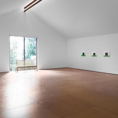 https://hirambutler.com/upload/exhibitions/_-title/Eric_Aho_Hiram_Butler_installation1.jpeg