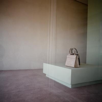 https://hirambutler.com/upload/exhibitions/_-title/Handbag.png