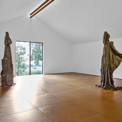 https://pazdabutler.com/upload/exhibitions/_-title/Havel_Hiram_Butler_Wrapped_in_Stars_2.jpeg