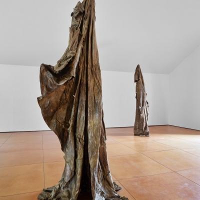 https://pazdabutler.com/upload/exhibitions/_-title/Havel_Hiram_Butler_Wrapped_in_Stars_5.jpeg