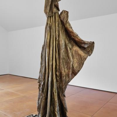https://pazdabutler.com/upload/exhibitions/_-title/Havel_Hiram_Butler_Wrapped_in_Stars_7.jpeg
