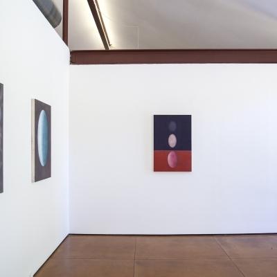 https://pazdabutler.com/upload/exhibitions/_-title/Kyung-Lim_Lee_Hiram_Butler_installation_4.jpg