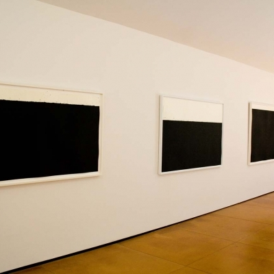 https://hirambutler.com/upload/exhibitions/_-title/Richard_Serra_01.jpg