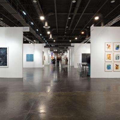 https://pazdabutler.com/upload/exhibitions/_-title/fineartfair_3.jpg
